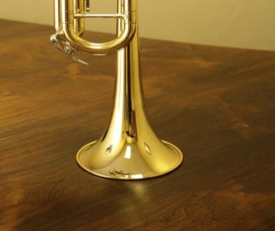Trumpet standing